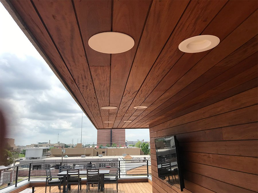 Professional Home Audio and TV Installation indoor and outdoor. Roof Deck TV is an outdoor rated Sunbrite TV on a fully articulating mount so that it can be viewed from anywhere on the deck. By Vox Audio Visual Elite Services.